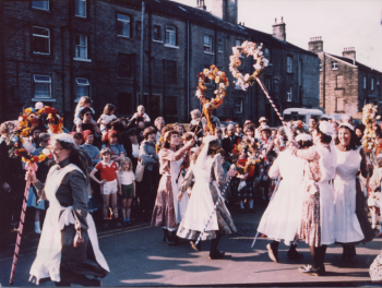 50 Saddleworth garland and Clog Side