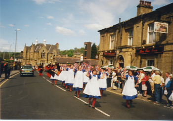 17 Ring Of Bells Ladies Dance Side from Wakefield