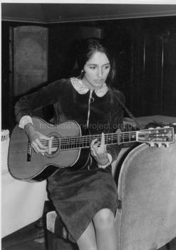 01 Joan Baez